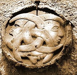 Dreierkopf Relief Rennes-le-Château
